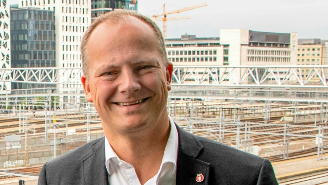Ketil Solvik-Olsen slutter som samferdselsminister for å flytte til USA.