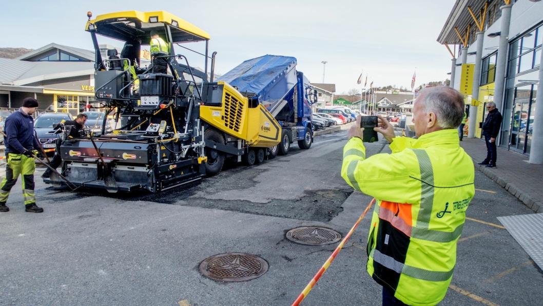 BILDER: Rolv Grimstad måtte ta bilder da den nye utleggeren kom i drift.