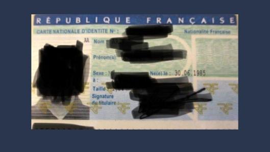 Mannen som kjørte varebilen hadde falskt førerkort og id-bevis.