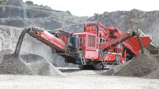 Terex Finlay C-1540 dual power.