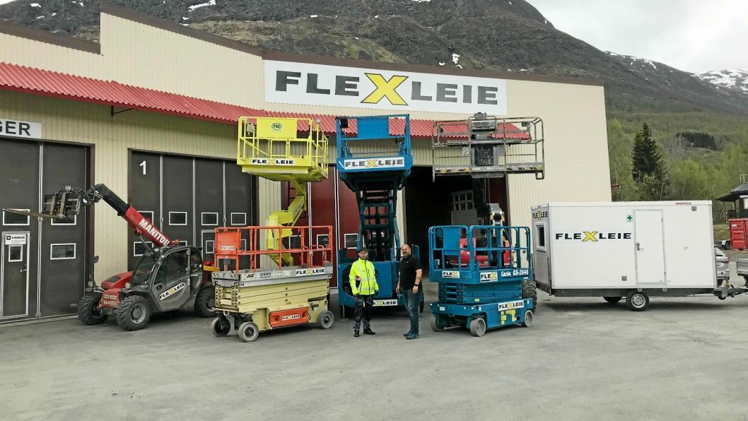 NORD: Flexleie utvider til Bjerkvik. På bildet er Steinar Stafne (t.v) som blir driftsleder ved avdelingen og Petter Johnsen som er salgssjef Samferdsel i Flexleie.
