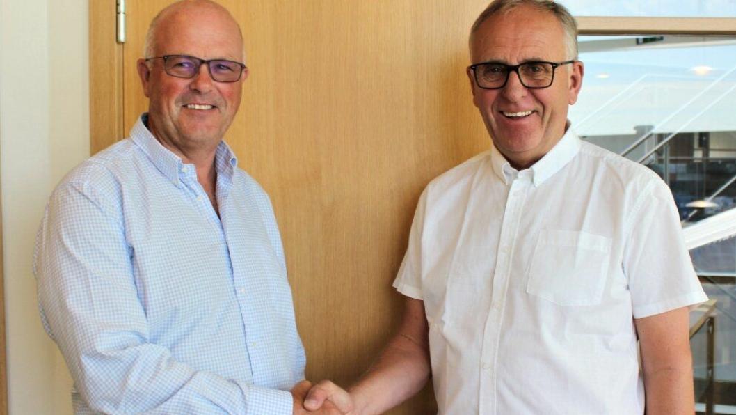 Magne Amdal i Rogaland Gjenvinning (t.v.) og Olav Stangeland i Stangeland Gruppen ser frem til samarbeidet.