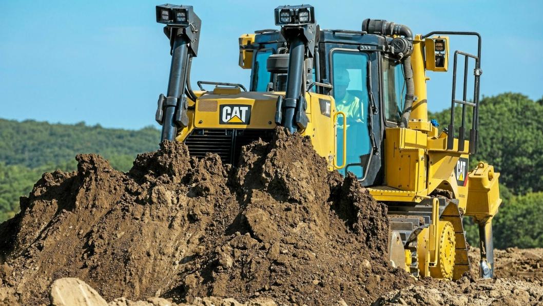 KRAFTKAR: Den nye Caterpillar D8T-dozeren slippes nå i Europa, Australia og New Zealand. Pon har allerede god erfaring med T-generasjonen gjennom D6T som kom i fjor.