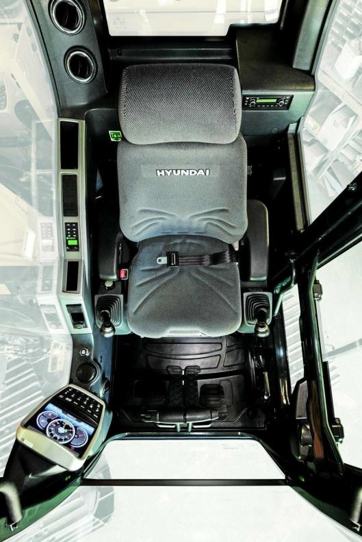 INTERIØRET: Hytteinteriøret på Hyundais nye 13-tonner.
