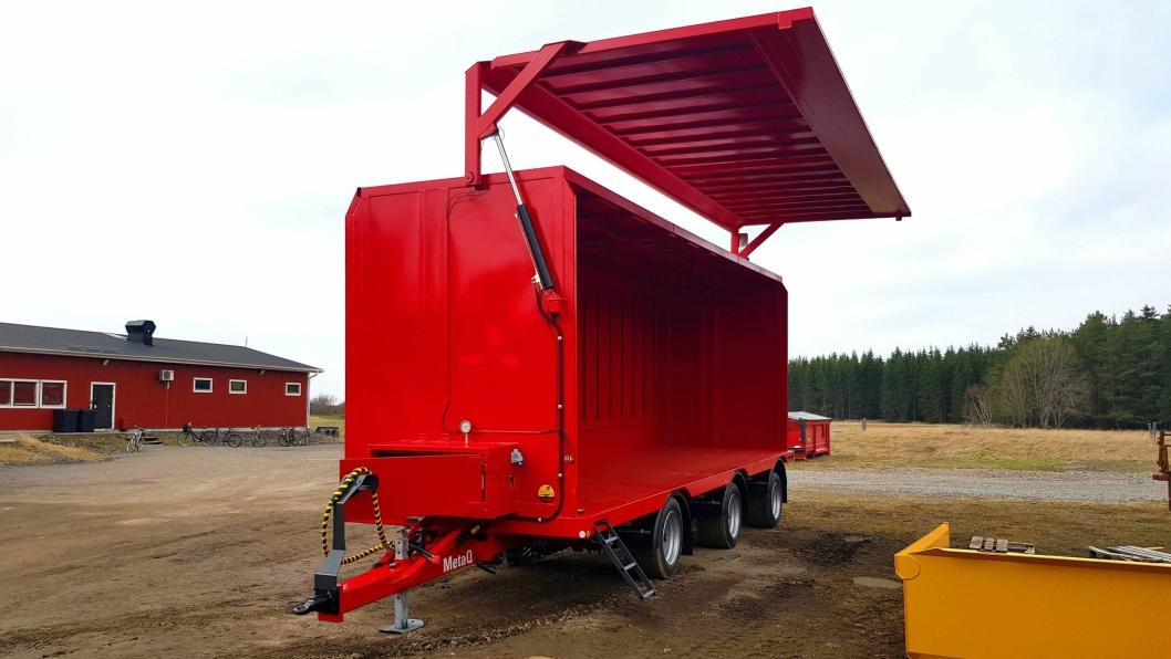 Metsjö TP3 Box transporthenger med side som kan åpnes hydraulisk og krokøye-tilkobling for blant annet traktor.