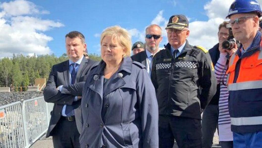 Statsminister Erna Solberg la ned grunnsteinen for Politiets nasjonale beredskapssenter i Ski 21. august 2018.