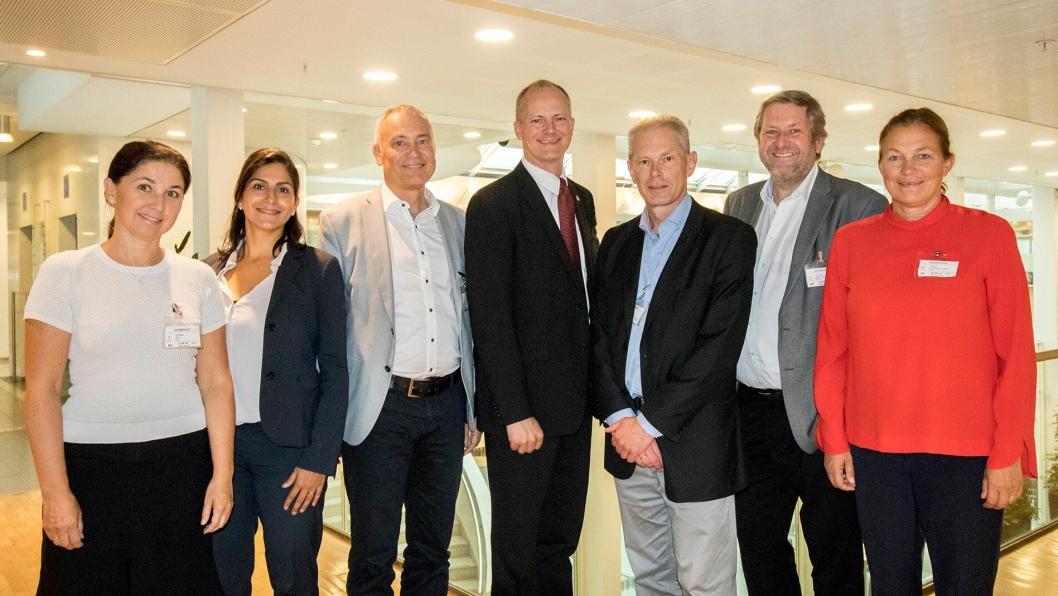 Fra venstre: Gro Holst Volden, Mariam Kaynia, Niels Buus Kristensen, Ketil Solvik-Olsen, John-Mikal Størdal, Bernt Reitan Jenssen, Alexandra Bech Gjørv.