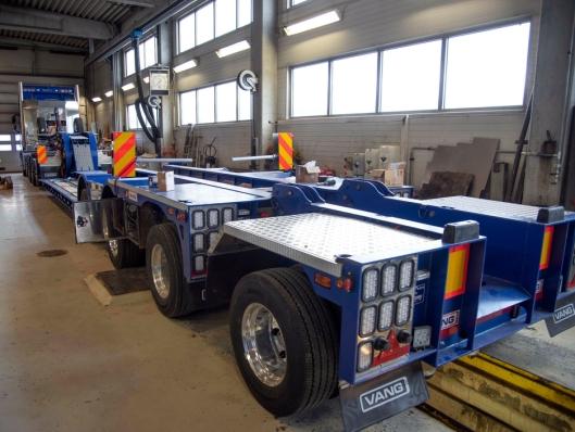 TUNGTREKKER: Den nye tungtrekkeren til Frøseth skal primært brukes til å flytte egne knuseverk og utstyr.