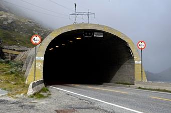 - Følger ikke opp avvik i tunnelene
