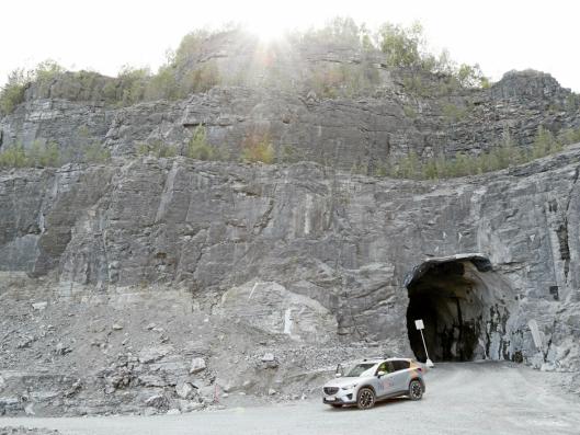 TRANSPORT UT: Tunnelmassene ble kjørt via denne gamle tilførselstunnelen og rett ut i bruddet til Norcem.