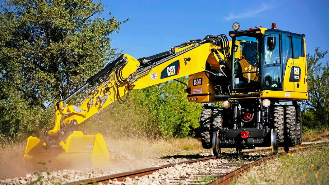 DOBBEL KABIN: M323F Railroader veier ca. 24 tonn og har dobbel kabin for plass til en ekstra sikkerhetsmann.