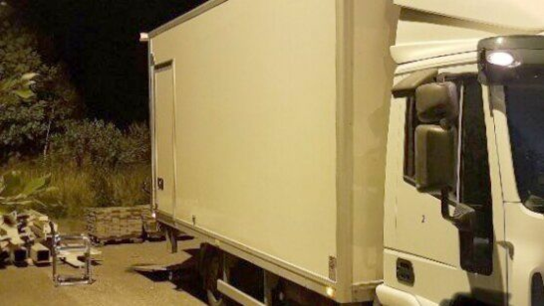 Denne lastebilen ble veid til 15,2 tonn. Tillatt totalvekt var 7490 kg.