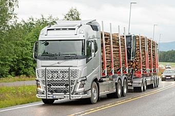 Nå får tømmerbiler frakte halmballer