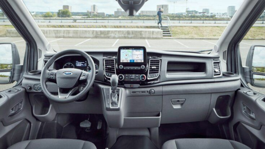 Nye Ford Transit 2 tonn innvendig.