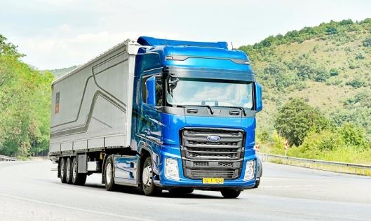 VANT: Ford vinner Truck of the Year med sin største trekkvogn noen sinne. Bilen skal bane vei for Ford Trucks i hele Europa. Når bilen eventuelt får en norsk importør/forhandler gjenstår å se.