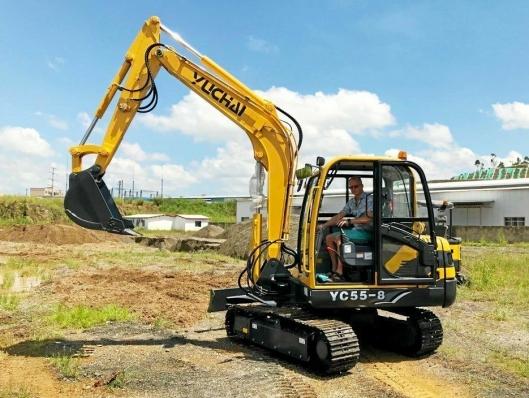 YC55-8 er en av Yuchai-modellene som WeeGruppen skal markedsføre i Norge.