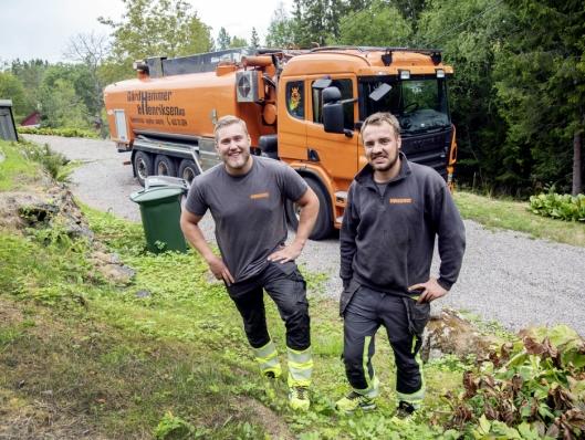 SATSER: Jonas Henriksen (til venstre) og Jon Eirik Gårdhammer er bare 25 år, men fokuset er å bygge en bedrift med sunn økonomi som skal vokse.
