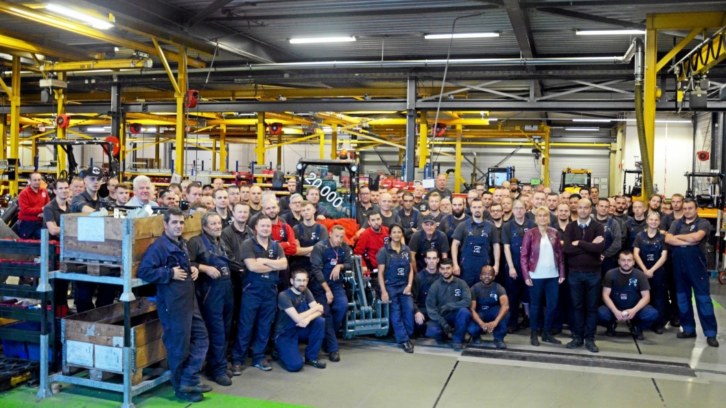 MARKERING: Giant nummer 20.000 ble selvfølgelig behørig markert ved fabrikken i Nederland.Foto: Giant