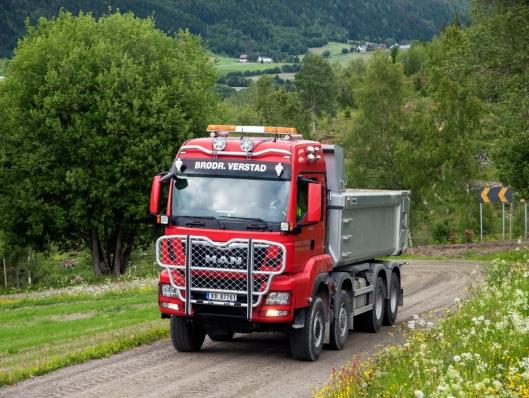 NYESTE: De to siste lastebilene Brødr. Verstad har kjøpt er to like MAN 41.500 med 8x8.