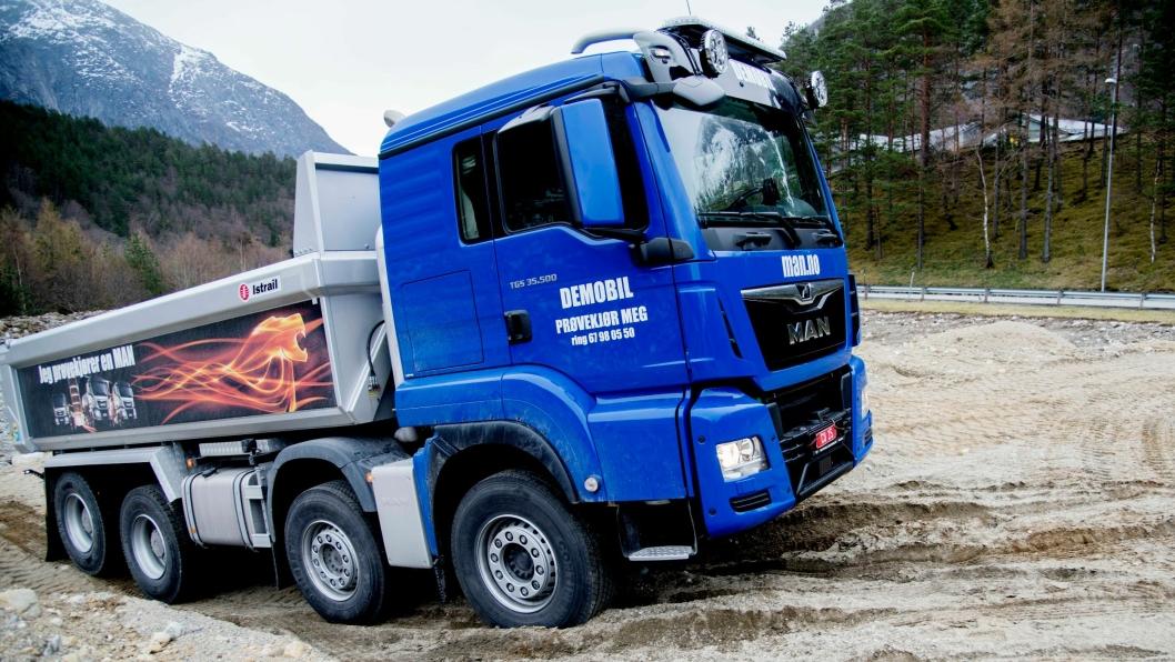 MAN Truck & Bus Norge har økt salget i alle lastebilsegmentet, men det er i den tyngste klassen de virkelig har fått sving på salget.På bildet: MAN TGS 35.500 - 8x4 tippbil med påbygg fra Istrail.