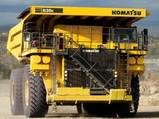 Boliden har kjøpt 17 stk. Komatsu 830E-5. På bildet er en 830E-AC med 2360 hk og en lastekapasitet på ca. 222 tonn.