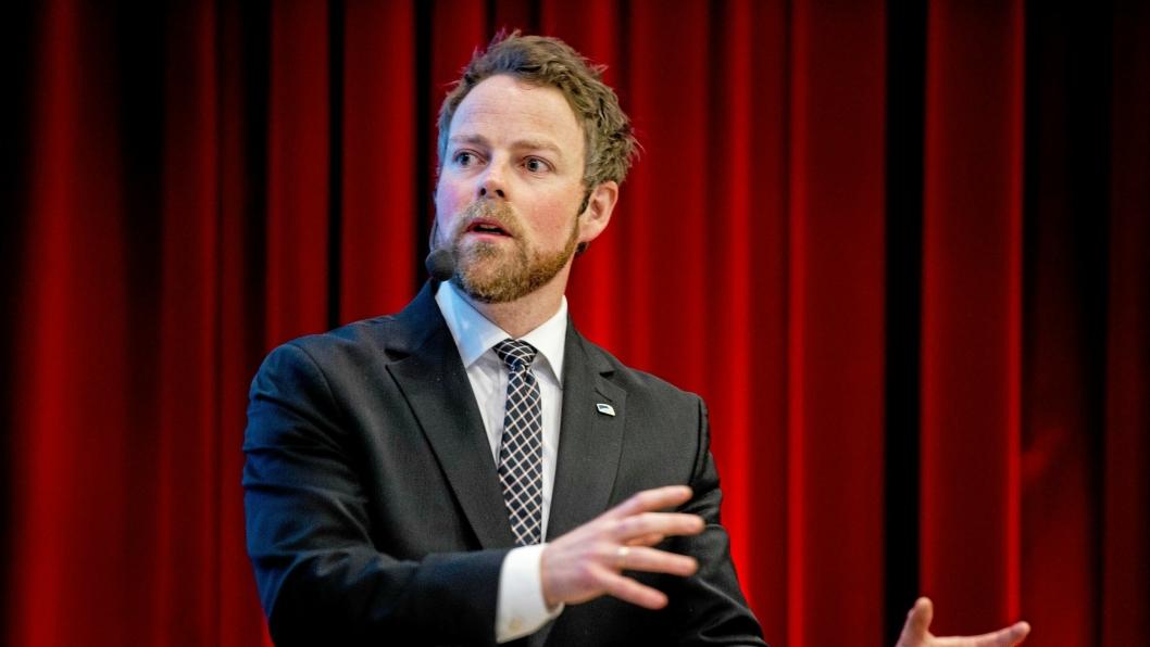 Næringsminister Torbjørn Røe Isaksen (H) får innspill fra mineralnæringen.