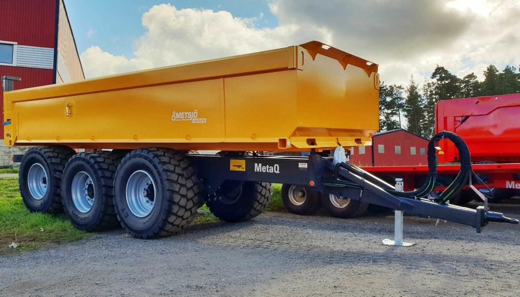 Nye Metsjö MetaQ-hengere kan leveres med mange avanserte funksjoner bygget ut fra en ny type luftbrems som den svenske produsenten har utviklet. Disse styres med en app på smarttelefon. Det er også mulig med hjul som drives med traktorens hydraulikk på disse hengerne.