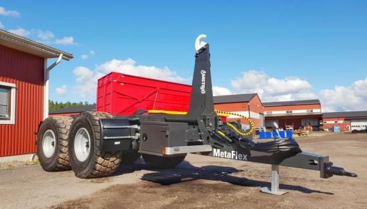 Nye Metsjö MetaFlex-hengere kan leveres med mange avanserte funksjoner bygget ut fra en ny type luftbrems som den svenske produsenten har utviklet. Disse styres med en app på smarttelefon. Det er også mulig med hjul som drives med traktorens hydraulikk på disse hengerne.