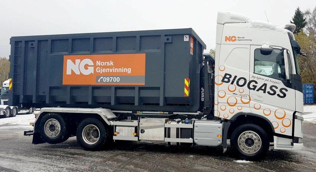 Norsk Gjenvinnings nye Volvo FH 460 6x2 krokbil, med Joab L20A krokpåbygg. Volvo-en har en gasstank på 205 kg.