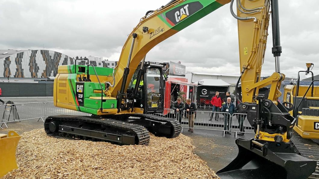 En Cat 323F Z-line i konseptversjon ble vist på Pons område på Vei og Anlegg 2018. Nå kan det bli en miljøpris til Pon Equipment AS for systemet.