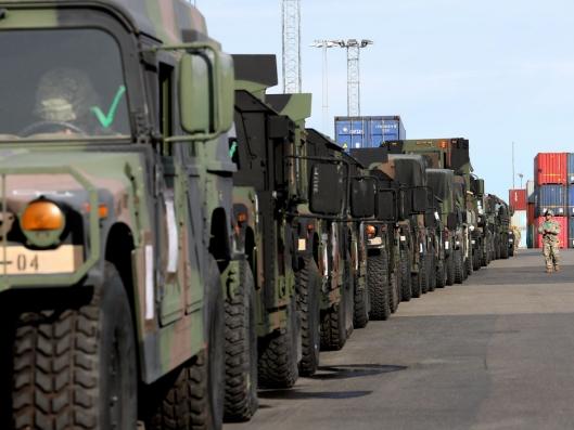 Amerikansk utstyr i Borg havn utenfor Fredrikstad i forbindelse med NATO-øvelsen Trident Juncture 2018.