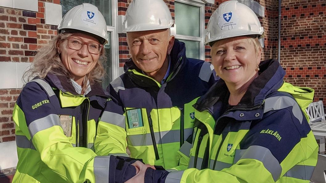 Fra venstre: Bygg- og eiendomssjef i Rogaland fylkeskommune Heidi Klaveness, løsningsansvarlig for HMSREG Arne Myskja, og fylkesordfører Solveig Ege Tengesdal (KrF).