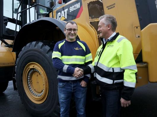 AVTALEN: Maskinsjef Jostein Ytreland (t.v.) i Vassbakk & Stol og Pons Per Olav Listou har jobbet tett sammen i hele prosessen.