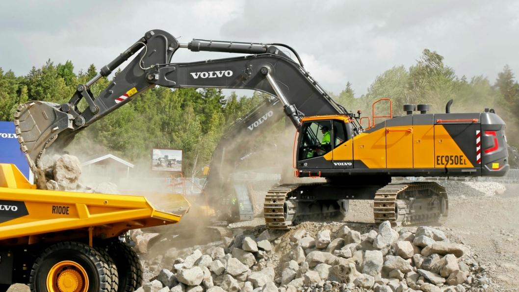Volvos nye 95-tonns beltegraver EC950EL er en del av avtalen.