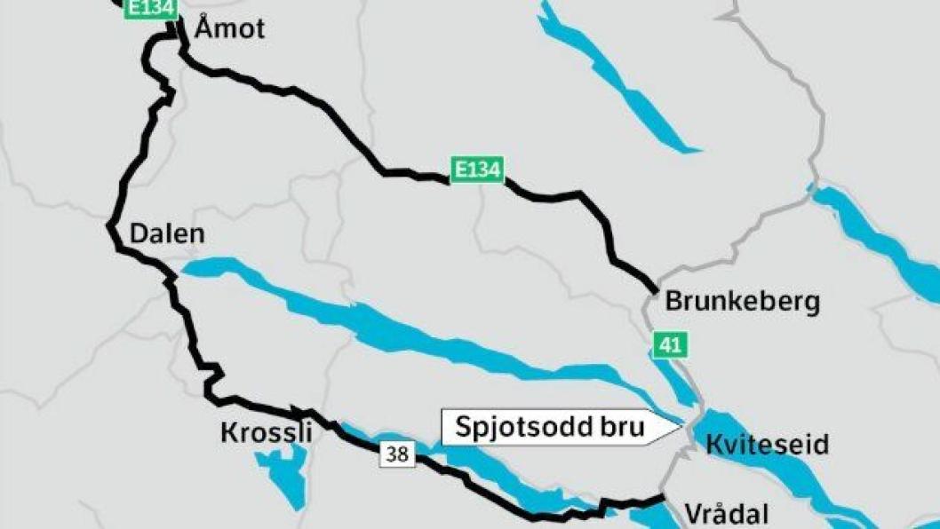 Det blir omkjøring via Dalen når Spjutsodd bru (Telemark) stenges i fem måneder for tungtrafikk.