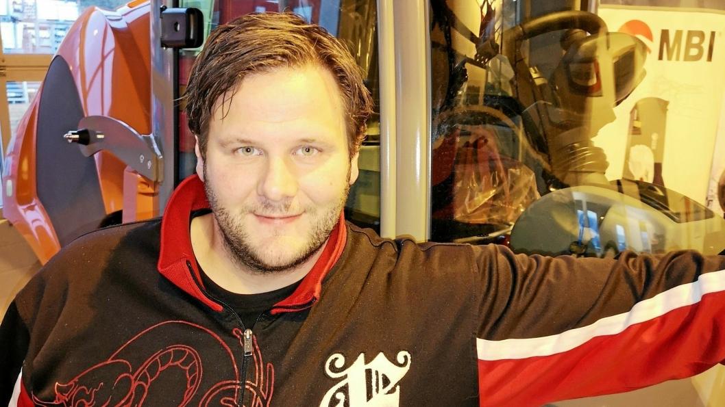 Tore Kaspersen (38) er ansatt som serviceleder/koordinator i Skjetne Maskin AS.