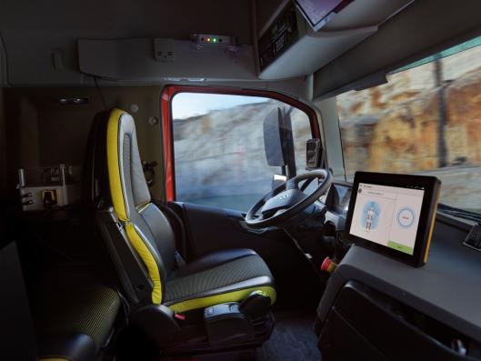 Kjøretøyene er selvkjørende og kan betjenes utenfra av hjullasteroperatøren.