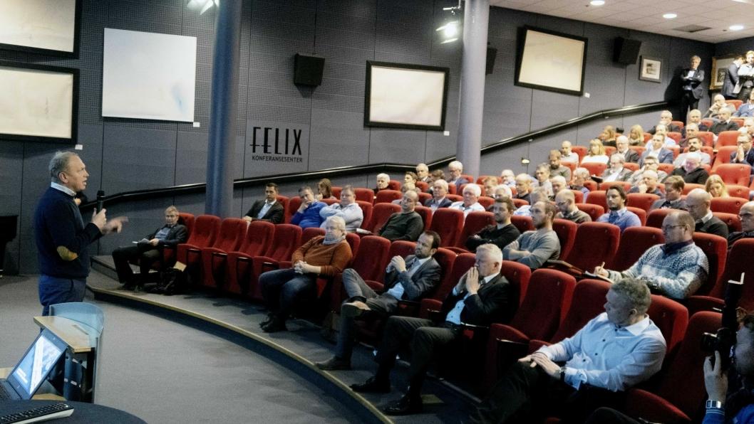 Scanias toppsjef Henrik Henriksson snakket til forsamlingen på konferansen om Scanias miljøsatsinger.