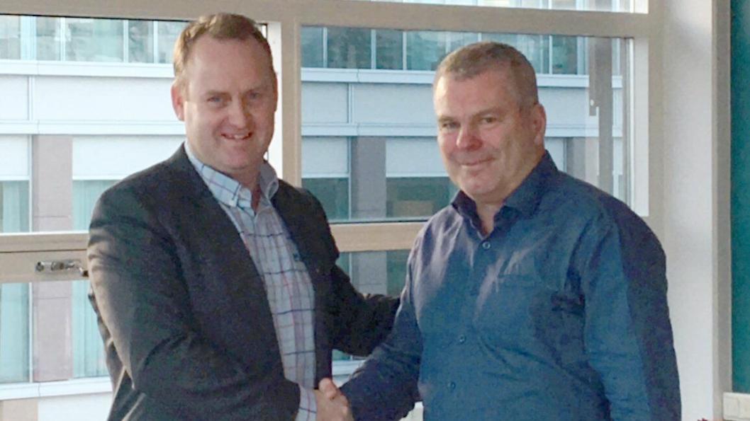 Fra venstre: Morten Grongstad, konsernsjef i AF Gruppen og Krister Karlsson, adm. direktør i HMB.