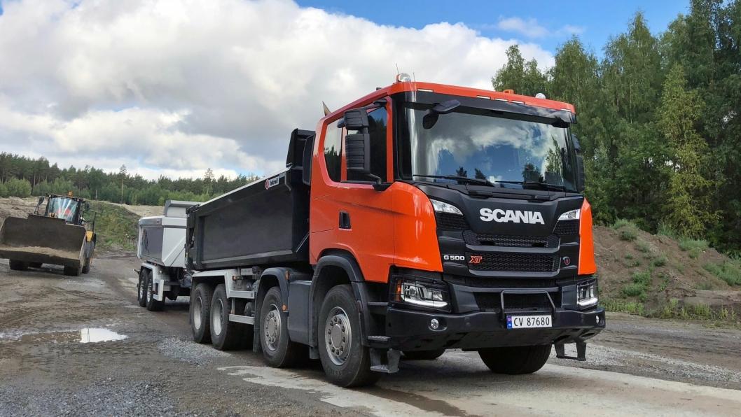 Scania troner på toppen av den samlede lastebilstatistikken for 2018. Samlet for alle merker og vektklasser, økte markedet med 8,5 prosent fra året før. Se detaljene i tabellen i artikkelen.