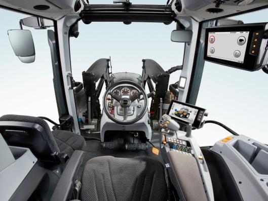 Valtra N-, T- og S-traktorer kan nå utstyres med en tilleggsterminal som kan tjene som skjerm for å implementere Isobus-styrte redskaper eller satellitt assisterte løsninger. Samme terminal er også tilgjengelig for Activ og HiTech modellene.