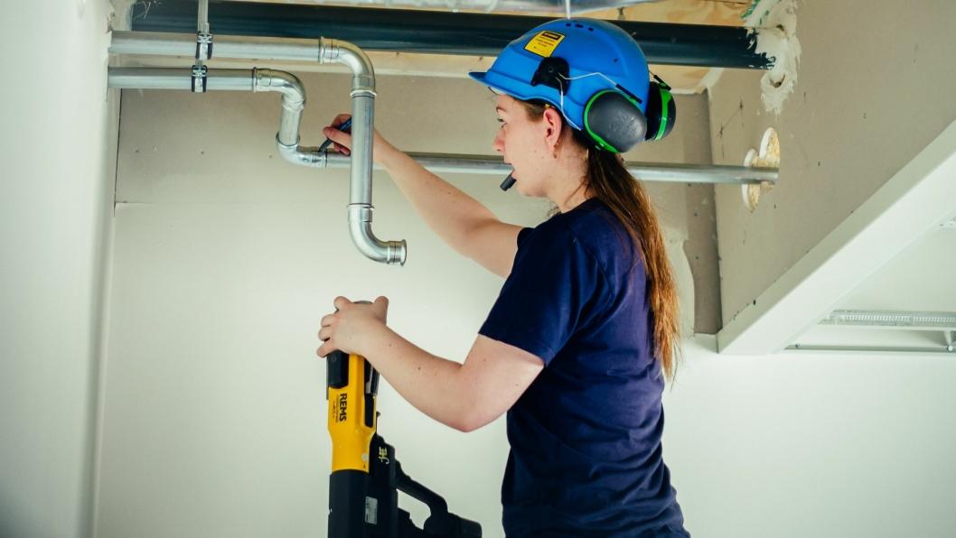 Det er veldig lav kvinneandel innen byggebransjen, og spesielt innen fagarbeidere der kun 2 av 100 er kvinner.