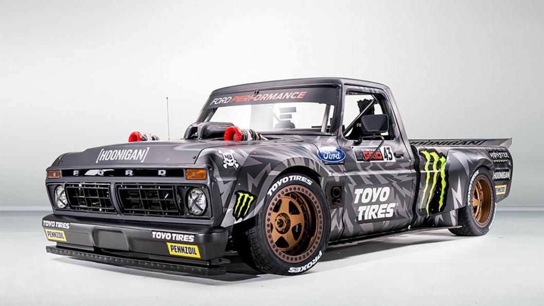 Ken Block har fått bygget om en Ford F-150 pickup fra 1977  til konkurranse i motorsport. En 3.5-liter V6 Ecoboost-motor er spesialbygget til å levere mer enn 900 hk.