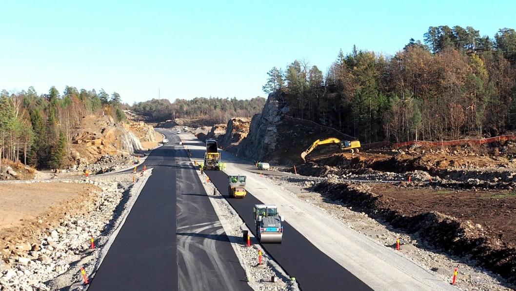 Ny E18 Tvedestrand - Arendal blir ferdig tidligere enn først planlagt.