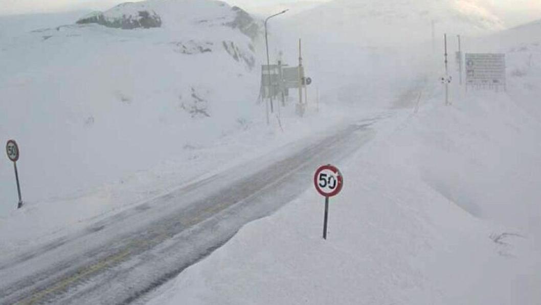 E10 Bjørnfjell, ved svenskegrensen øst for Narvik i Nordland. Denne overgangen koster samfunnet mest av alle de undersøkte fjellovergangene i Nord-Norge.