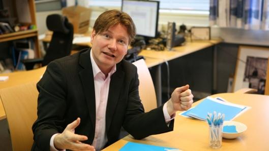 Ole A. Hagen, kommunikasjons- og markedsdirektør i Post Nord, mener de nye planene for godsterminalen på Nygårdstangen vil skape kaos. Foto: Per Dagfinn Wolden