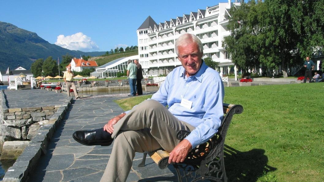 Bergingeniør Olav Markussen utnevnes til ridder av første klasse av St. Olavs orden.Bilde fra Høstmøtet i PGL, Ullensvang i 2008.