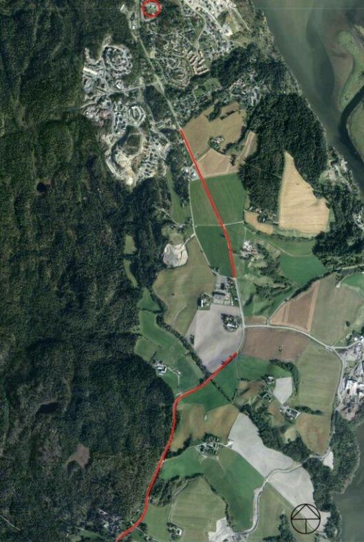 Flyfoto med strekninger det skal bygges langs og Smestad skole markert. Strekningen er ca. 2,2 kilometer lang. På strekningene som ikke er markert langs fylkesvei 120 er det bygget gang- og sykkelvei tidligere.