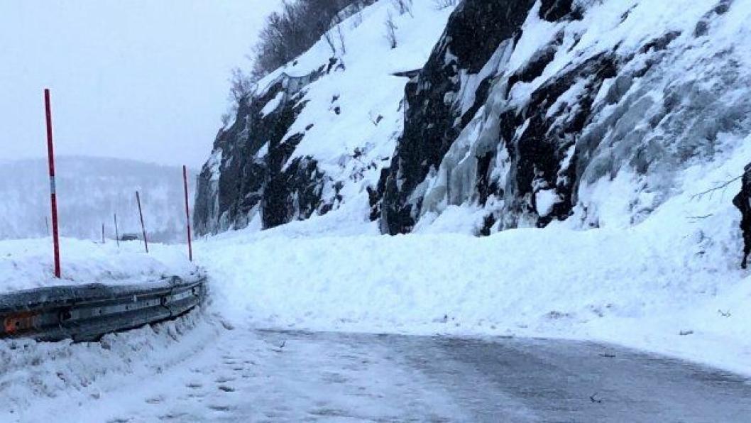 Et av skredene som er gått på fylkesvei 2 Aunfjellet i Troms.