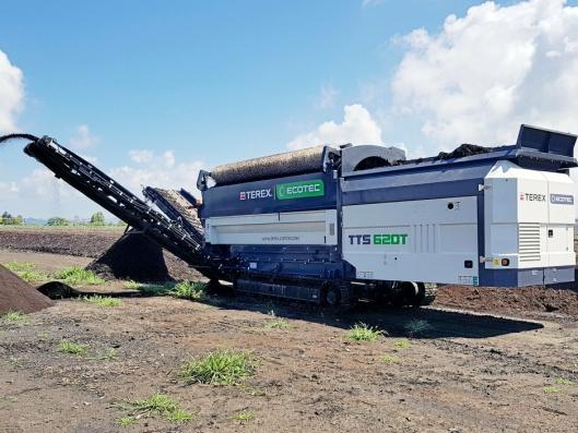 GJENVINNING: Terex Ecotec TTS 620T er en allsidig gjenvinningsmaskin med sorteringstrommel.